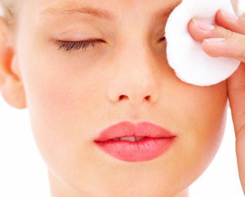 Escape-From-Dark-Circles-Under-Eyes-With-Home-Remedies