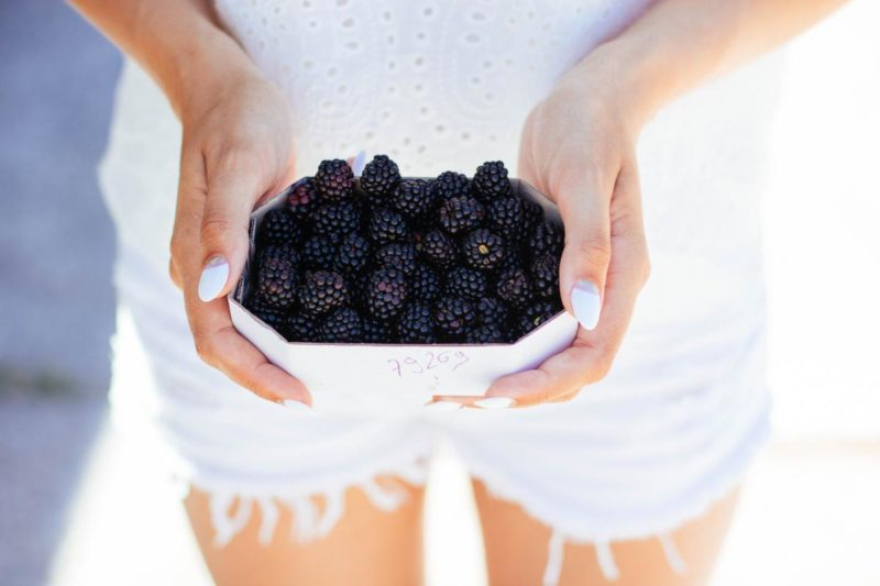 Do you know that blackberries contain a wonderful source of folic acid and vitamin C? Both of which are vital in aiding your body's ability to rejuvenate and repair cells!