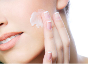 Prevent signs of ageing by moisturizing!